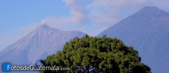 Volcán de Fuego y las cenizas del paisaje